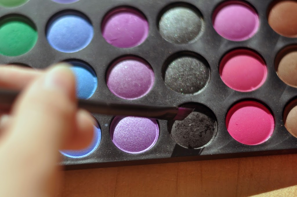 120 Colour Palette by bhCosmetics