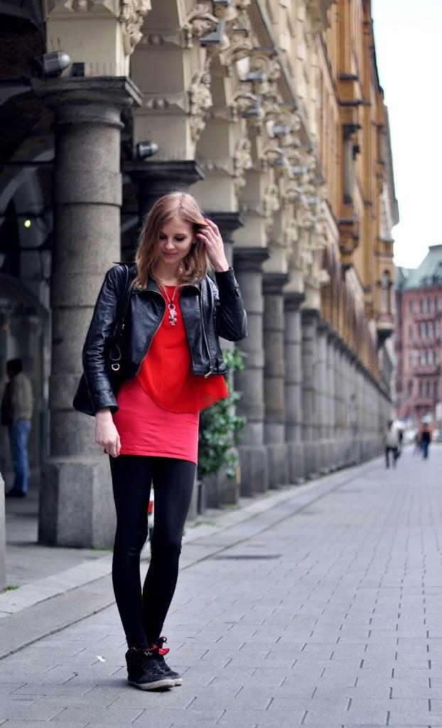 OUTFIT | Erdbeerrotes Kleid