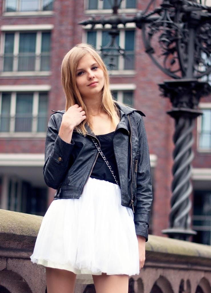 weißer Tüllrock Lederjacke