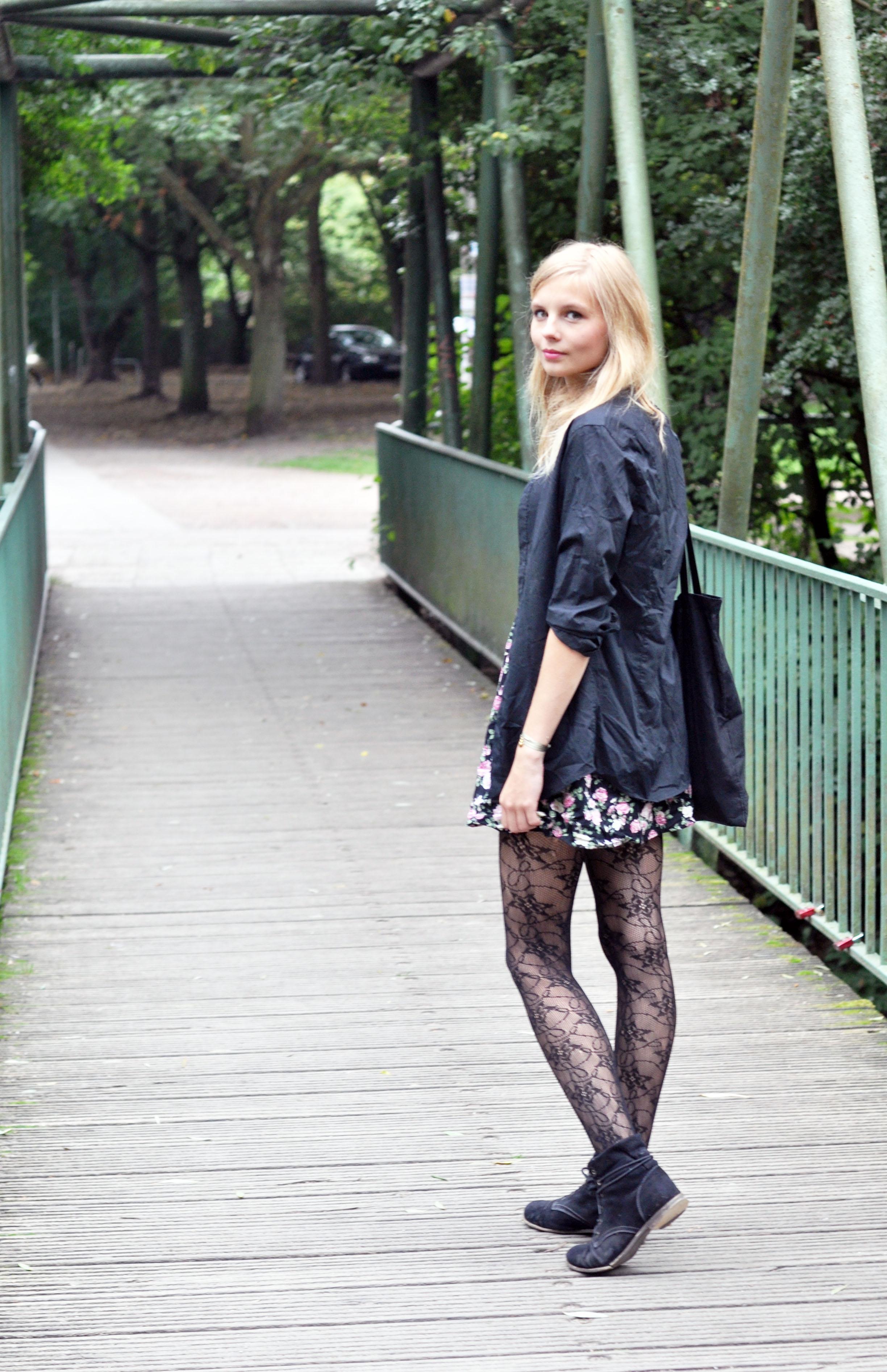 OUTFIT | Wunderschönes Blümchenkleid