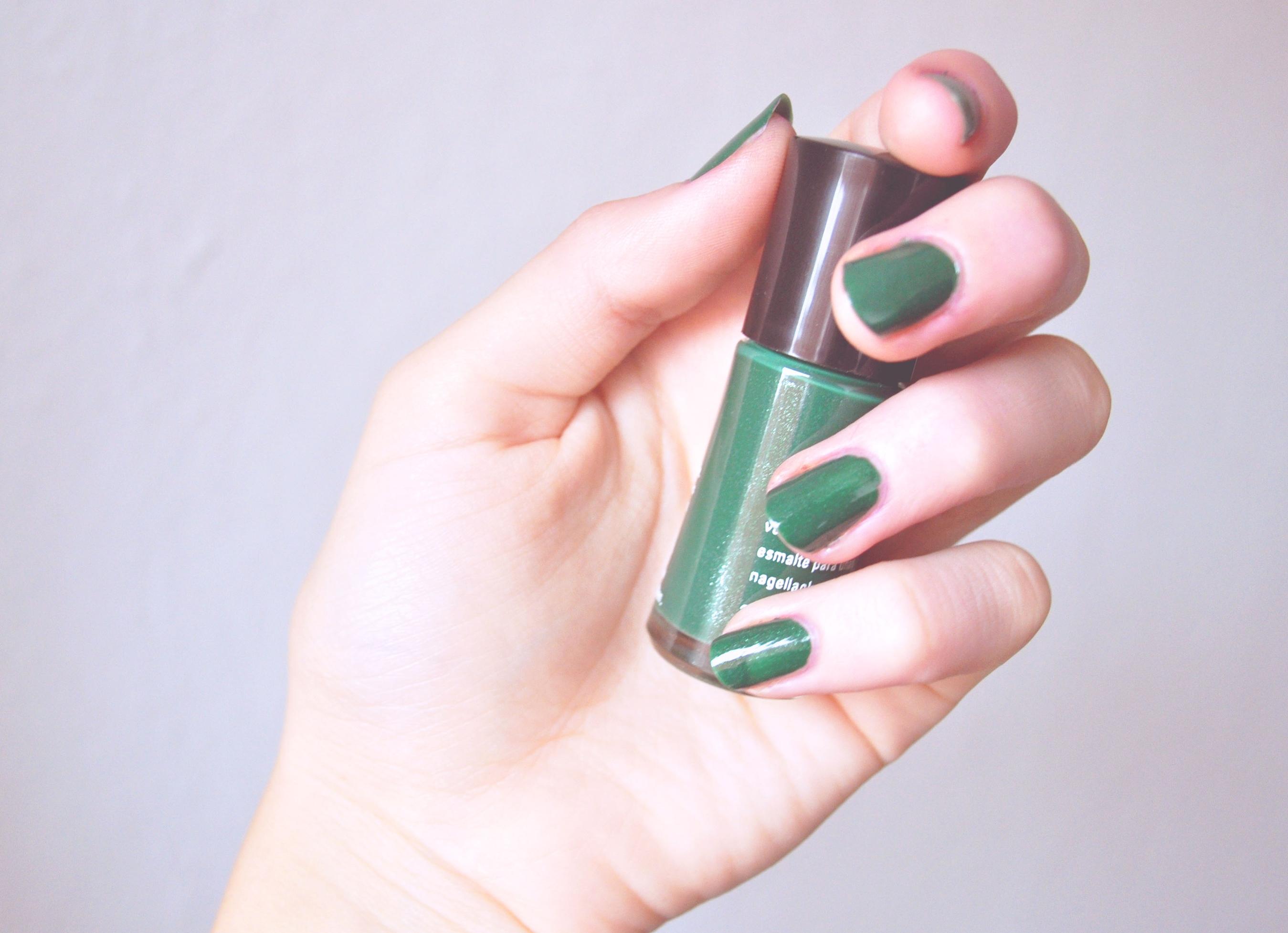 Emerald Noir Mary Kay