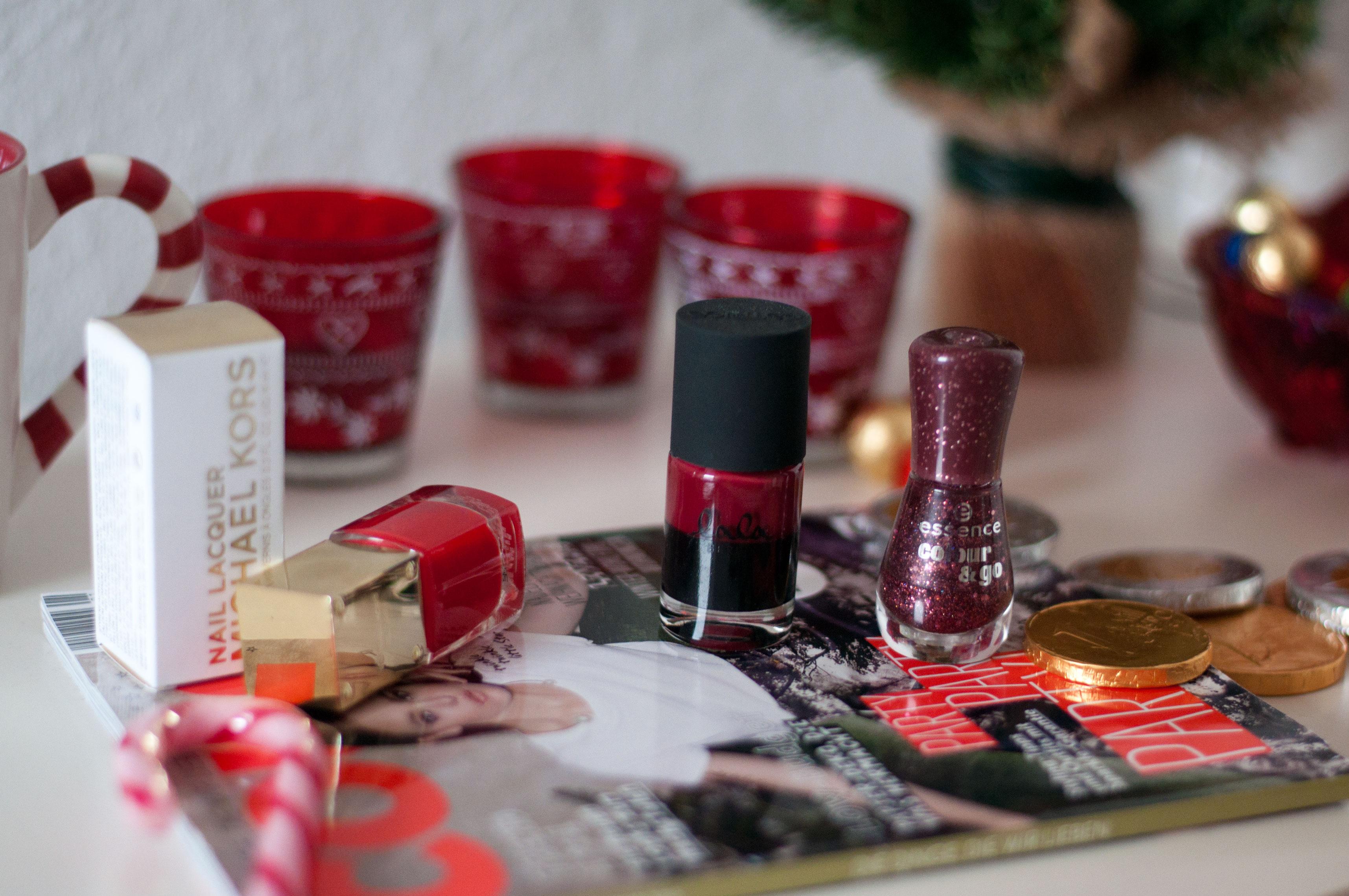 Weihnachtliche Nagellackfarben Essie