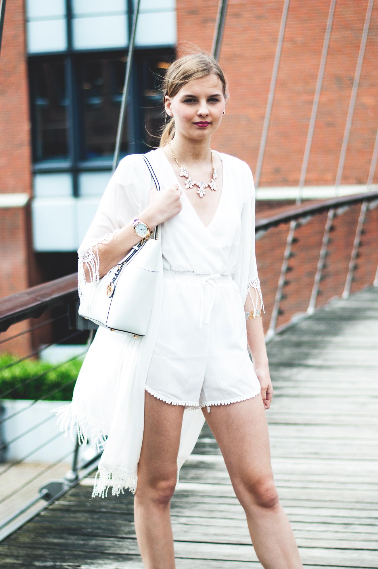 weißer Kimono