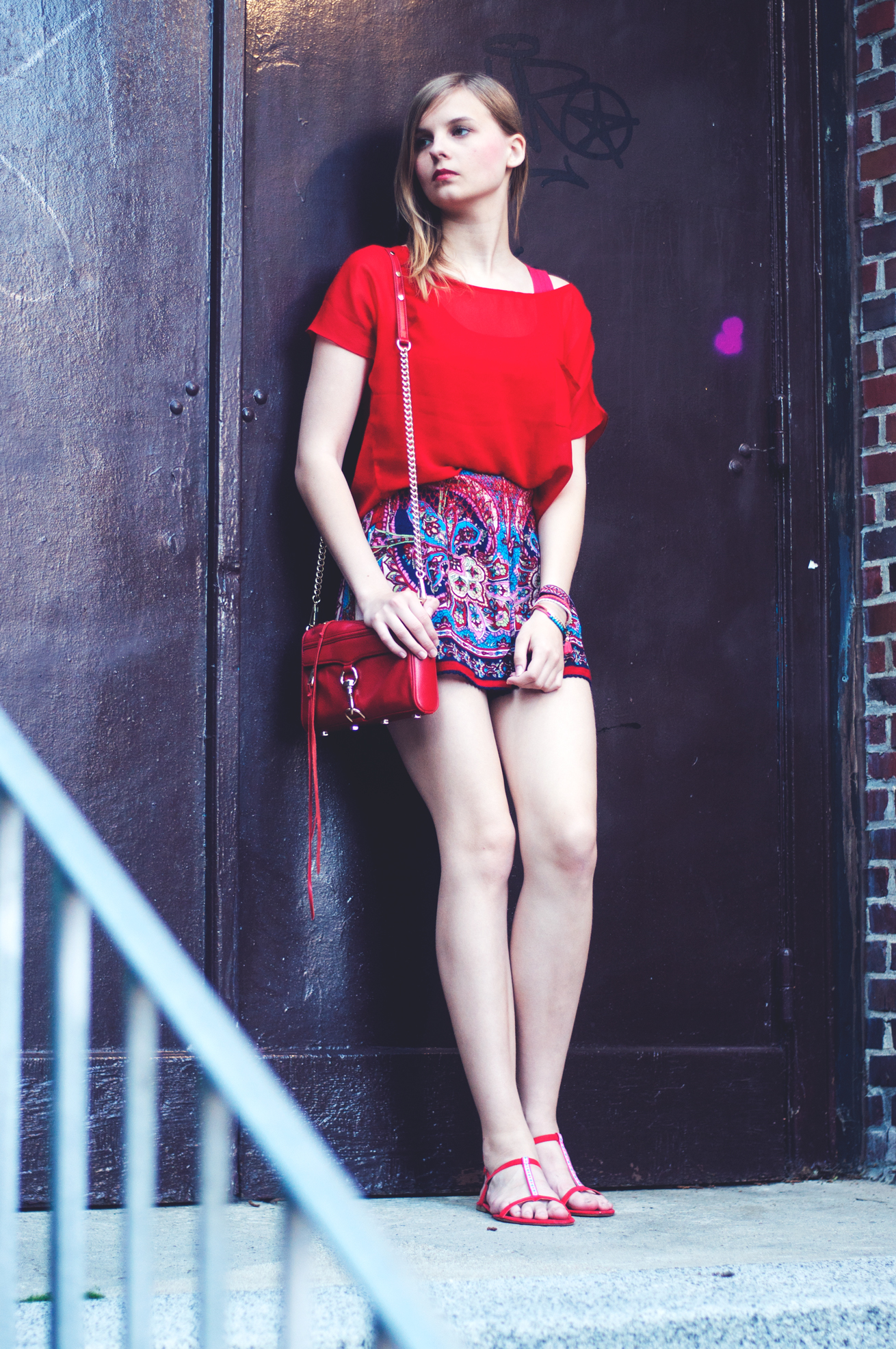 Outfit rote Bluse