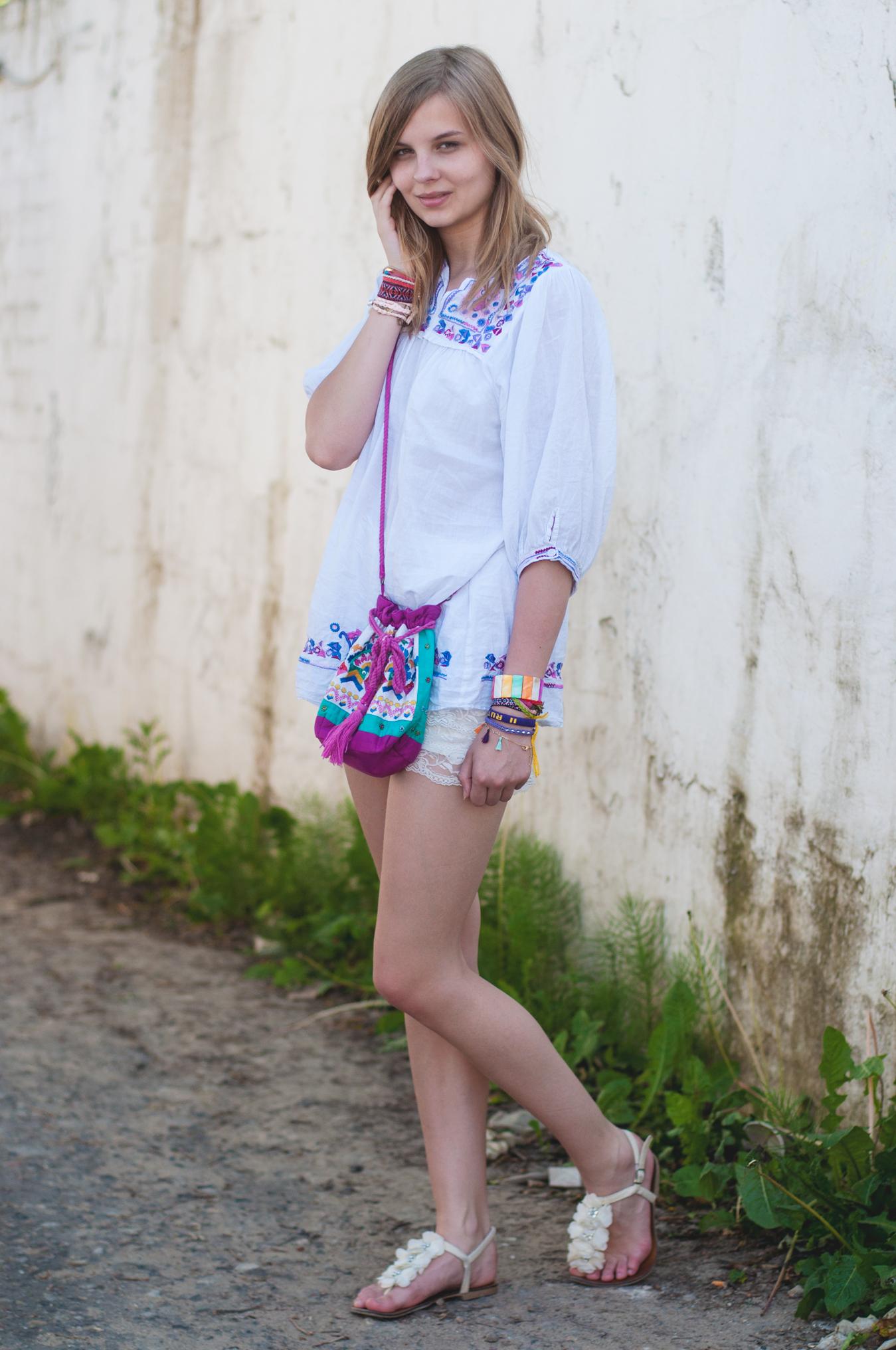 weißes Vintage-Kleid Stickereien