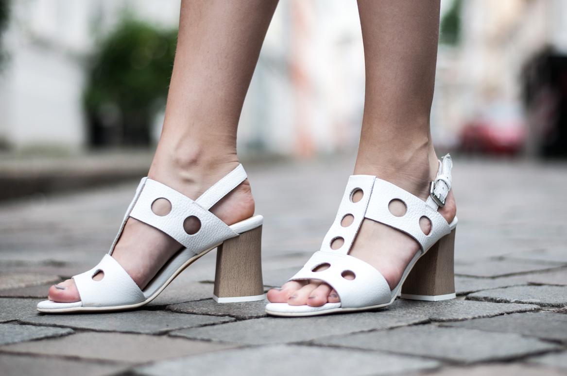 Weiße Sandaletten Peperosa