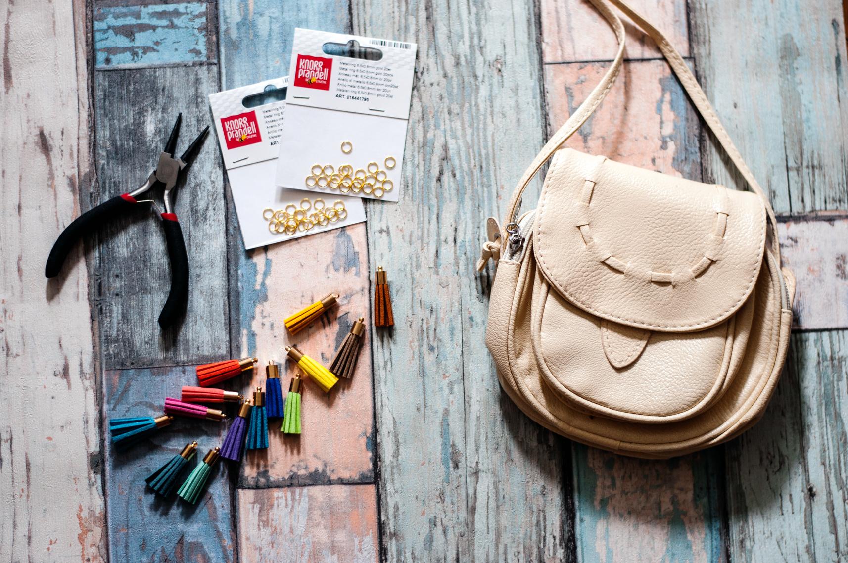 DIY Regenbogen-Fransen-Tasche