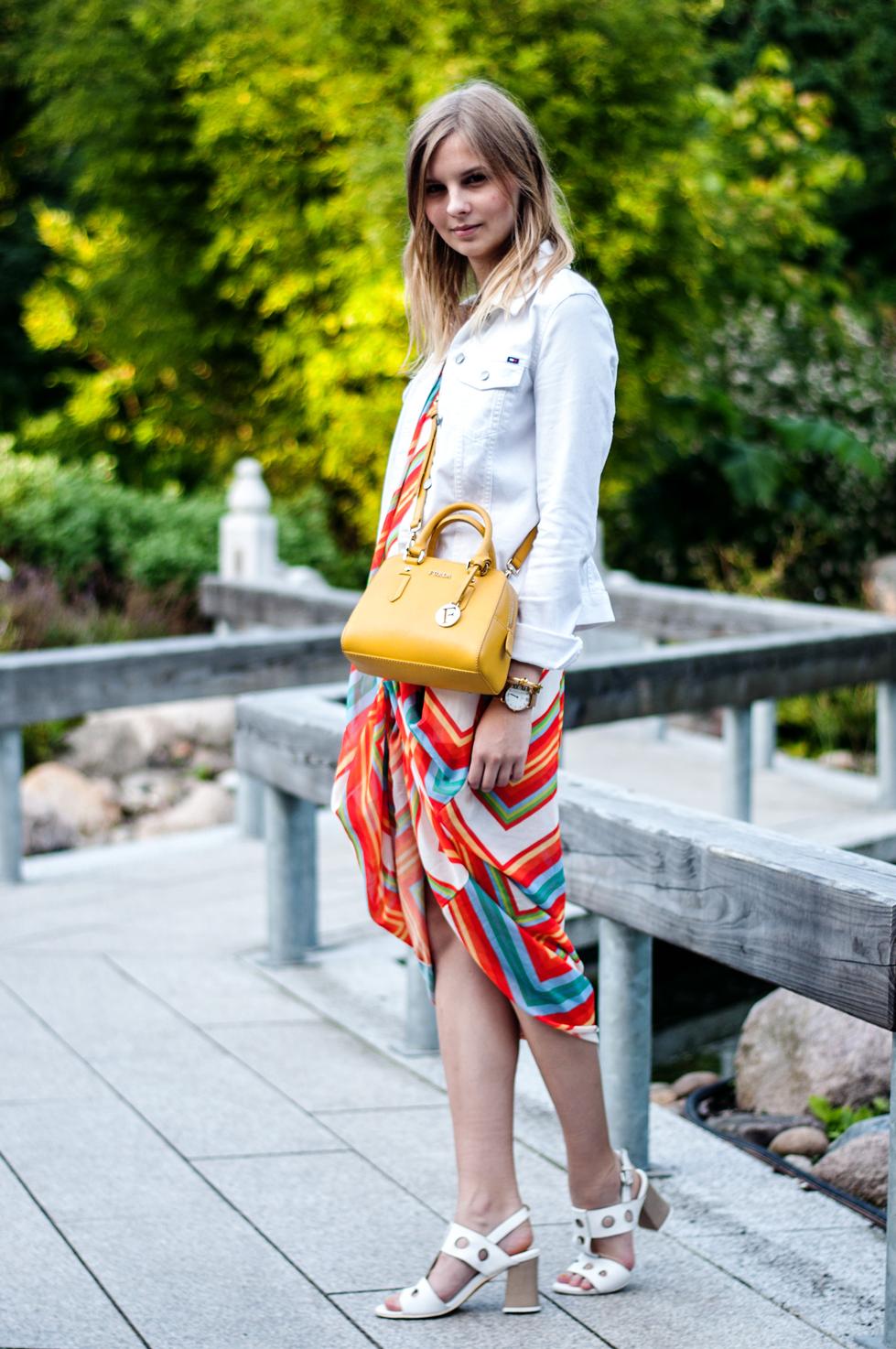 Outfit Regenbogenkleid