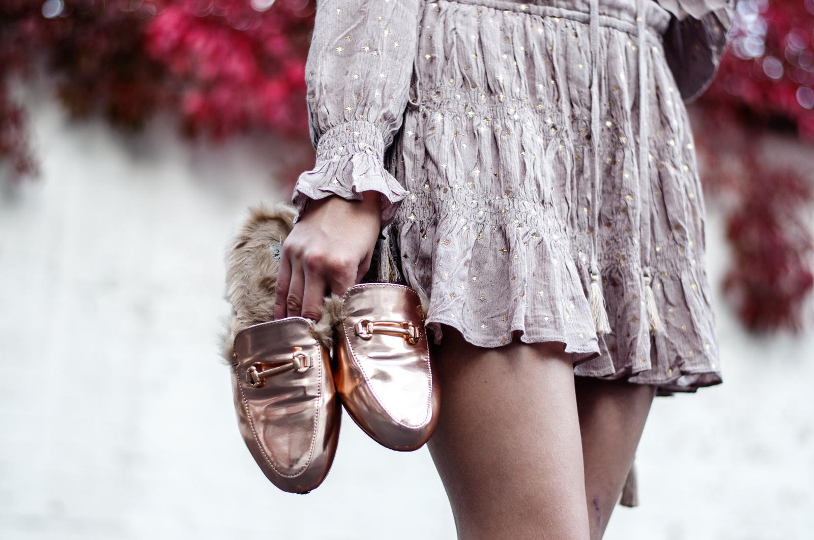 goldene Kunstfell Loafer