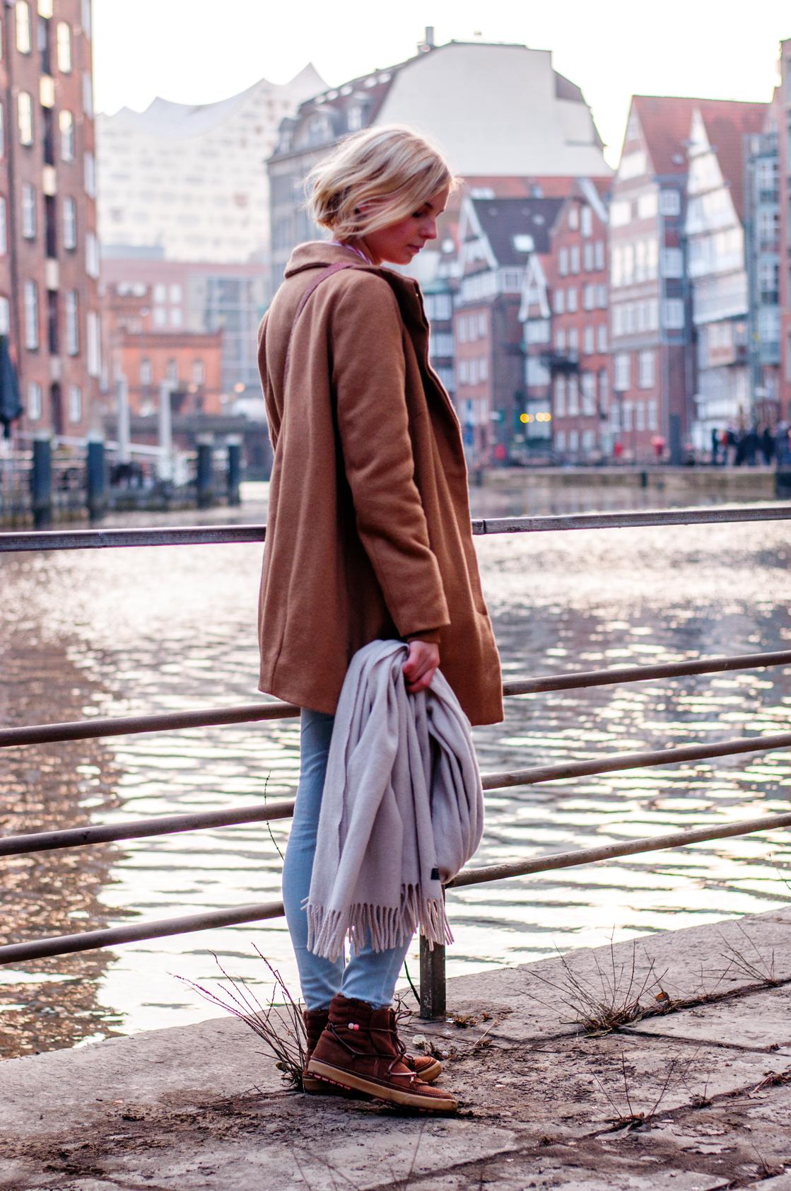 OUTFIT | Mit dem Camel Coat in der Deichstraße