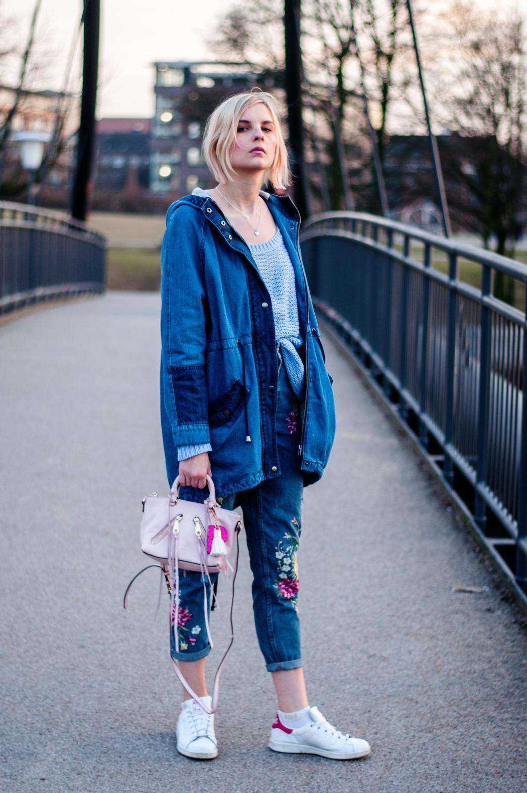 OUTFIT | Jeans mit Blumenstickerei