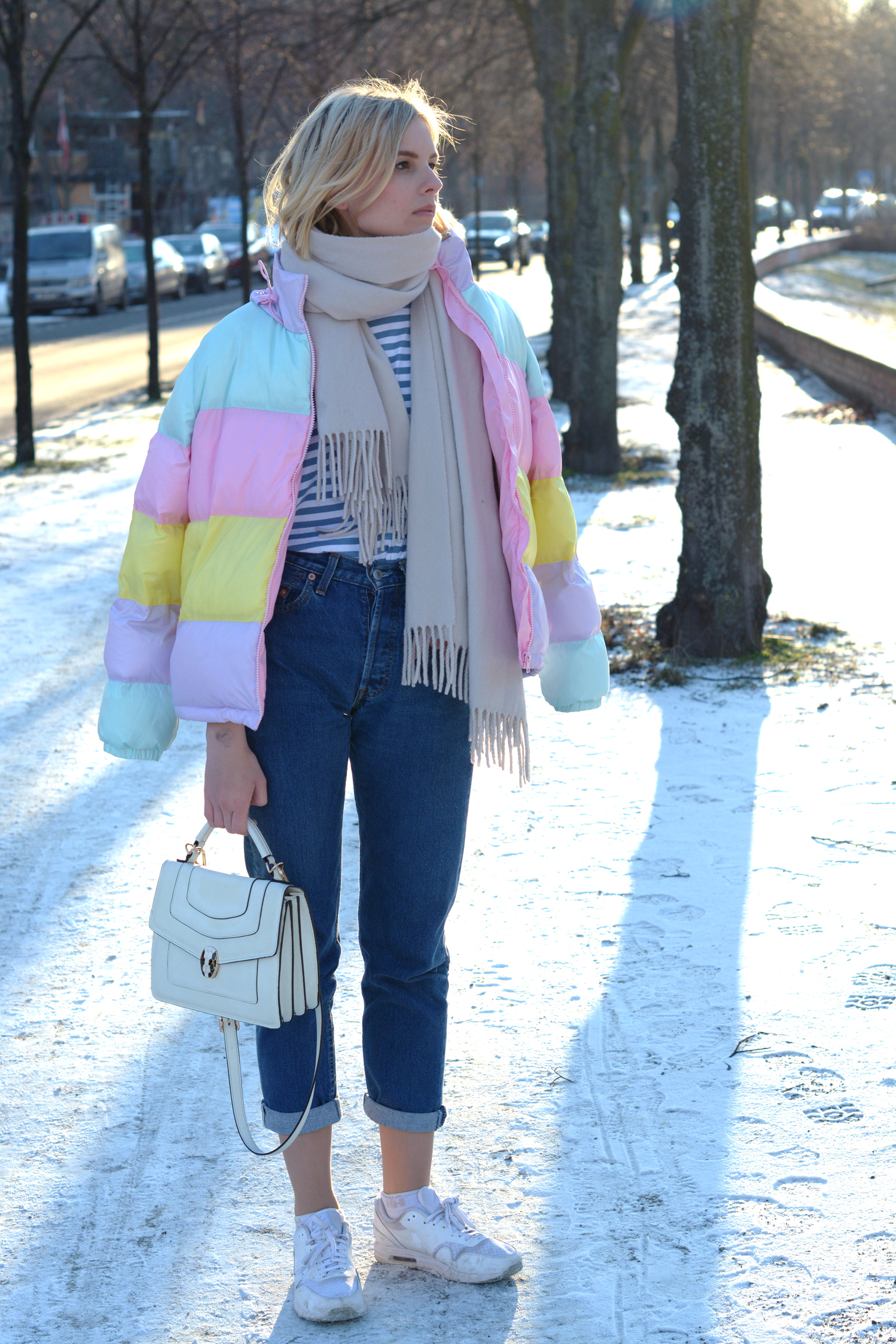 pastelfarbene Puffy Jacke