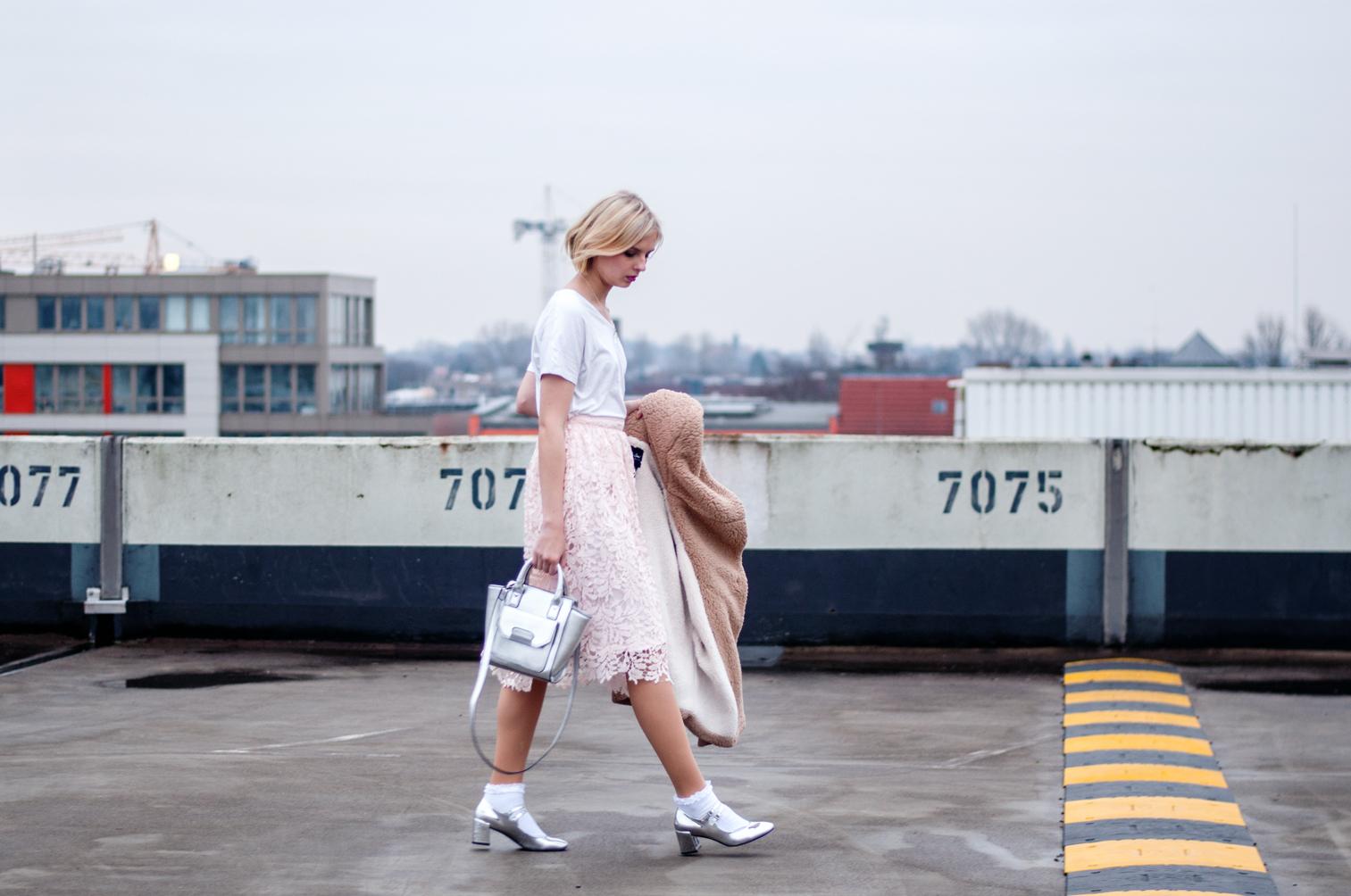 Outfit Geburtstag rosa Spitzenrock