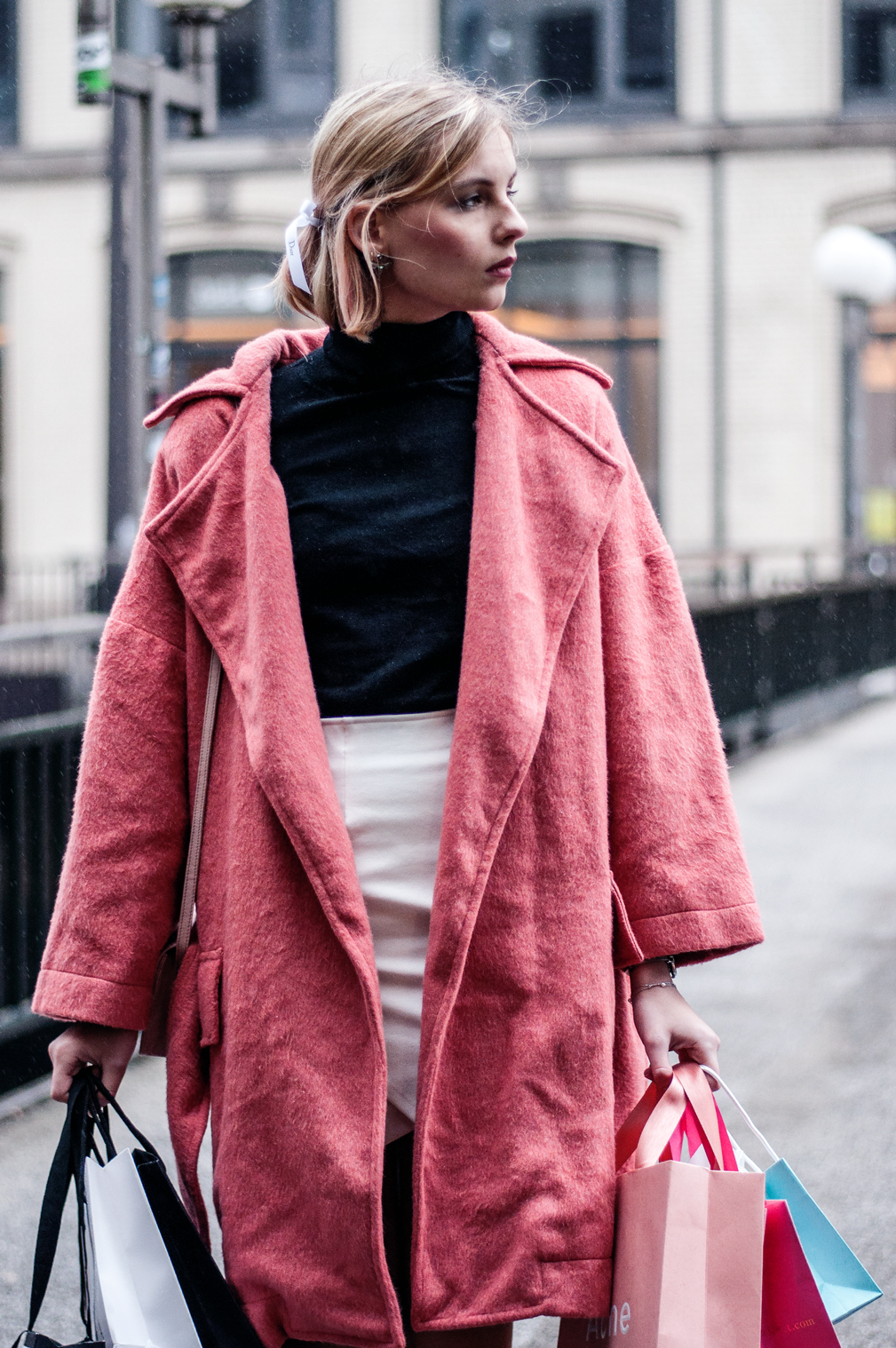 Pinker Mantel