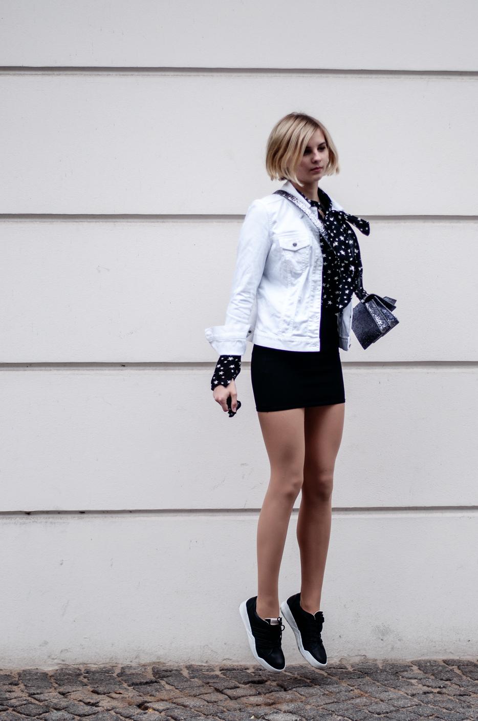Weiße Jeansjacke kombinieren