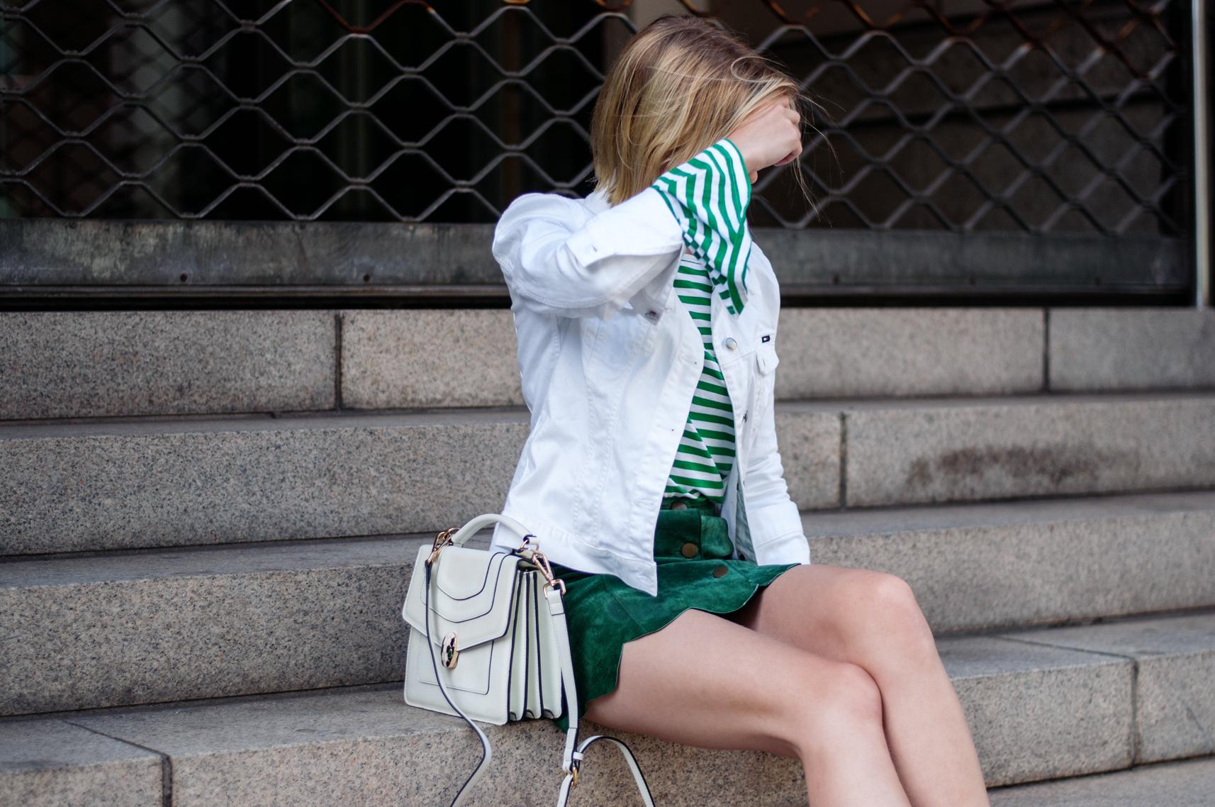 Tasche mit Schlangenkopf grün