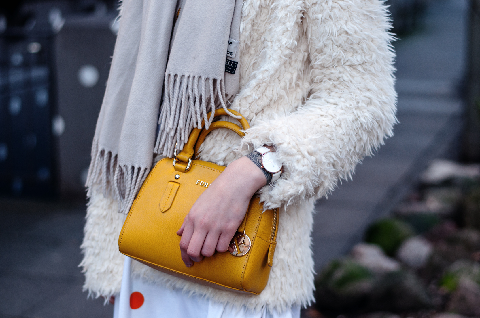 Gelbe Furla Tasche